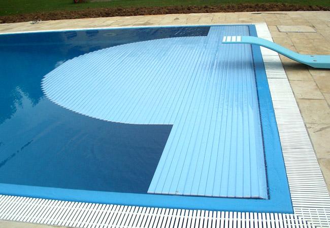 Bluservice piscine albino bergamo piscine costruzione for Prodotti per piscina prezzi